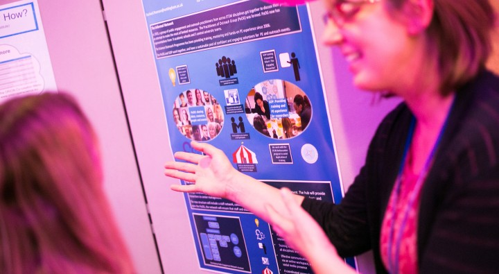Simple Exhibition Stand Alone : A beginner s guide to designing an exhibition stand